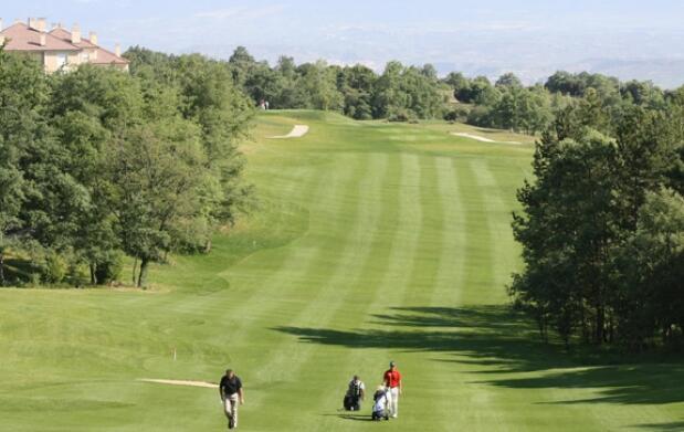 Club de Golf Sojuela para 2 personas