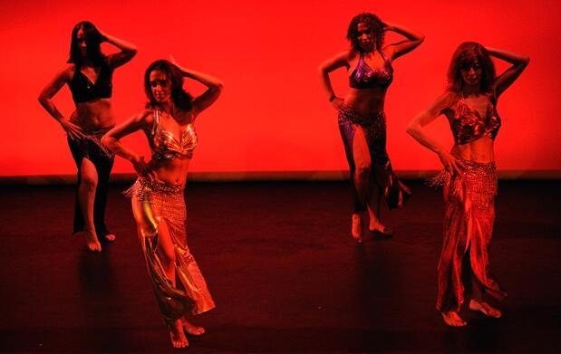 ¿Tango o  danza del vientre?