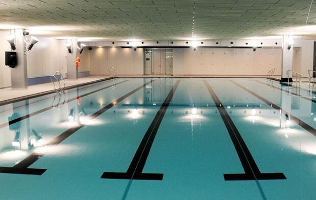 Spa y piscina en La Concha