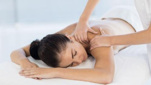 Masajes a elegir: deportivo, relajante o descontracturante