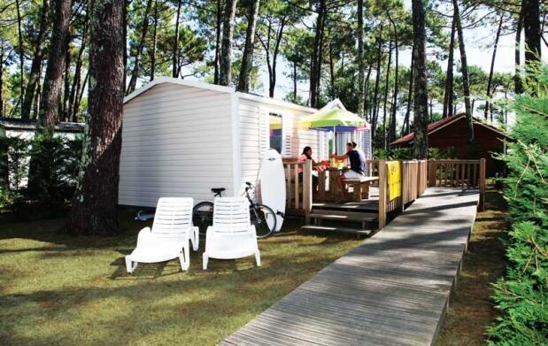 Camping Village Resort & Spa Le Vieux Port  5* en el Puente de Mayo