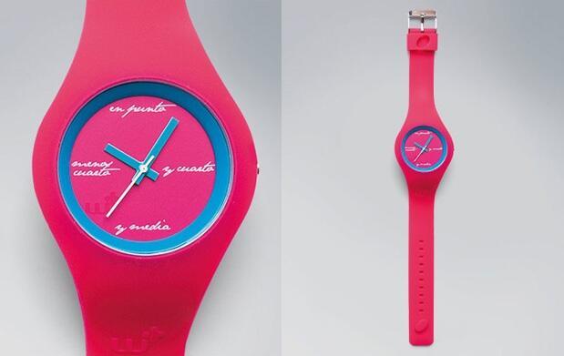 Relojes originales de varios colores