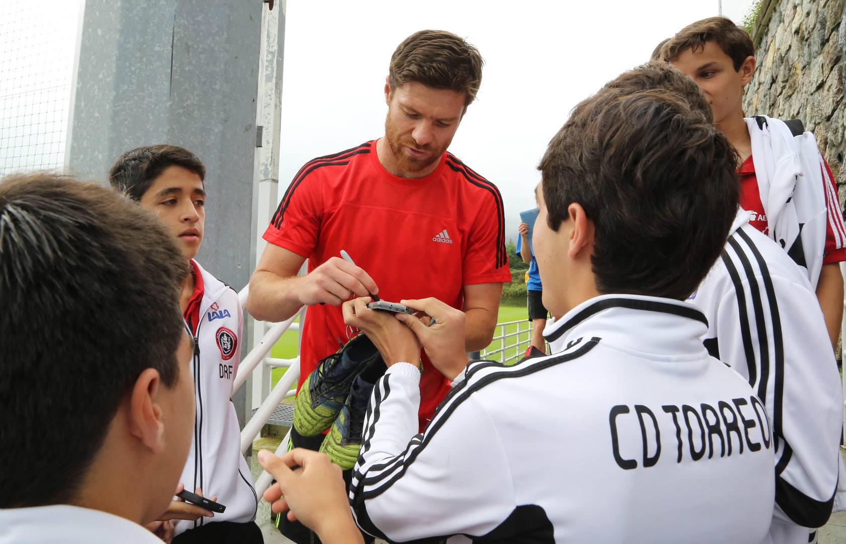 Xabi Alonso se entrena en Zubieta