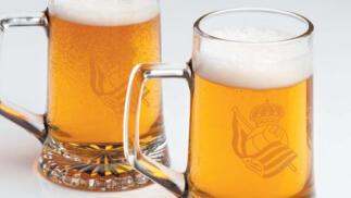 Pack de 2, 4 y 8 Jarras de cerveza con el escudo de la Real Sociedad