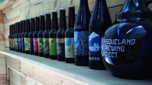 BASQUELAND BREWING: Cerveza fresca, limpia y llena de sabor.