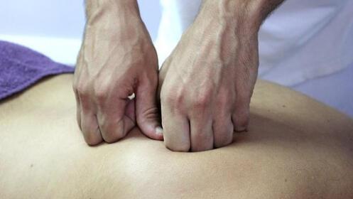 Sesión de osteopatía o fisioterapia  con valoración previa