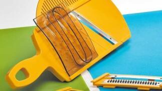Mandolina + Rallador ideal para cortar y rallar alimentos