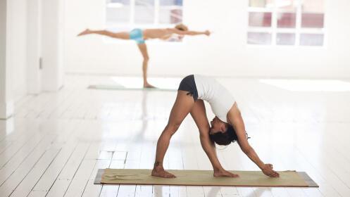 4 sesiones mensuales de Yoga Integral