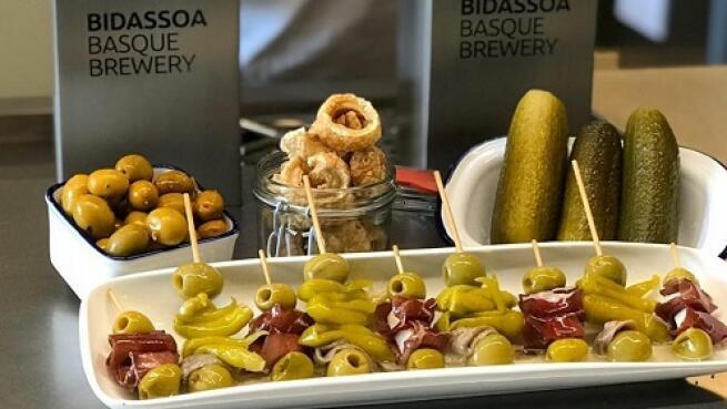 Menú en el Taproom de Bidassoa Basque Brewery