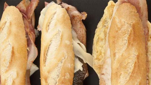 Menú de bocadillo, aperitivo, patatas  fritas y bebida  en Gros